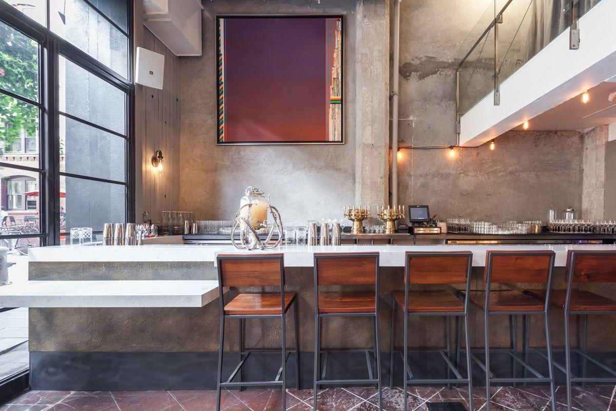 The bar at Oro