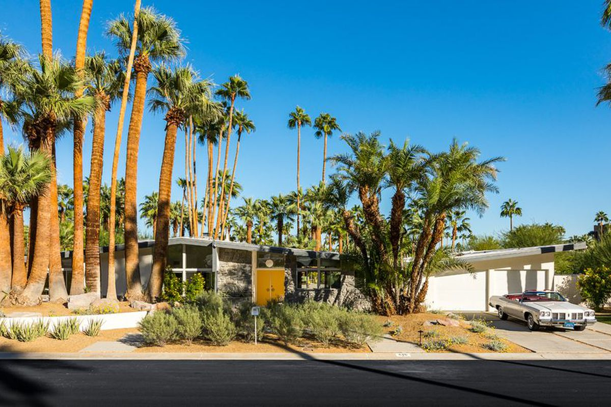 10 dreamy palm springs homes for sale right now curbed for Palm springs for sale by owner