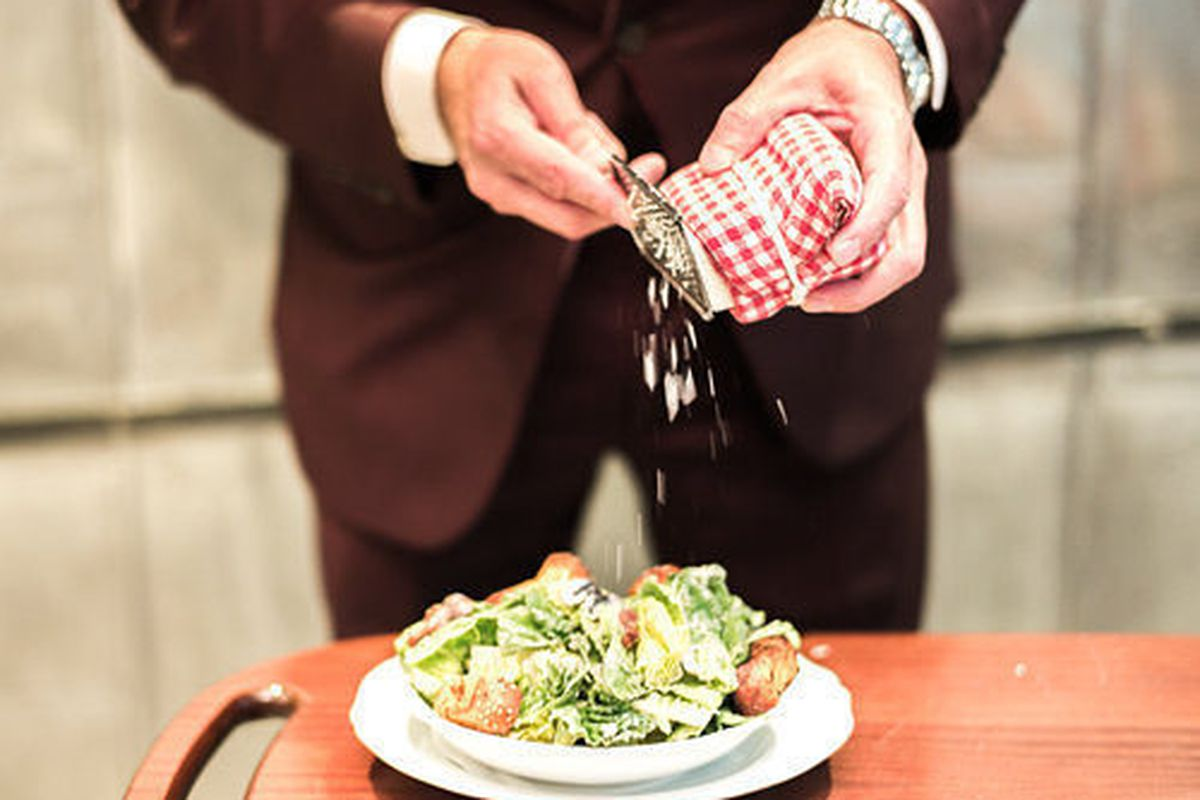 """<a href=""""http://ny.eater.com/archives/2014/08/map_new_york_city_salads_best_abc_kitchen_carbone.php"""">13 Excellent Restaurant Salads in New York City</a>"""