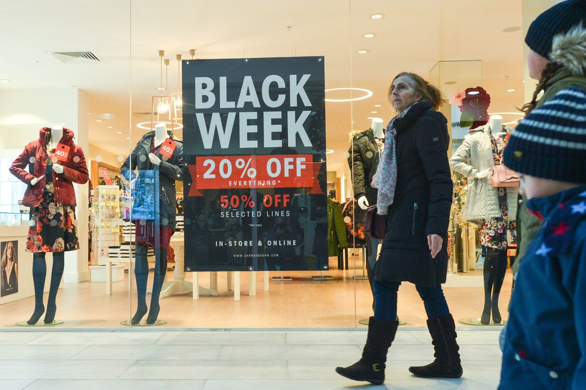 2662446346 Shoppers are checking products and prices ahead of Black Friday