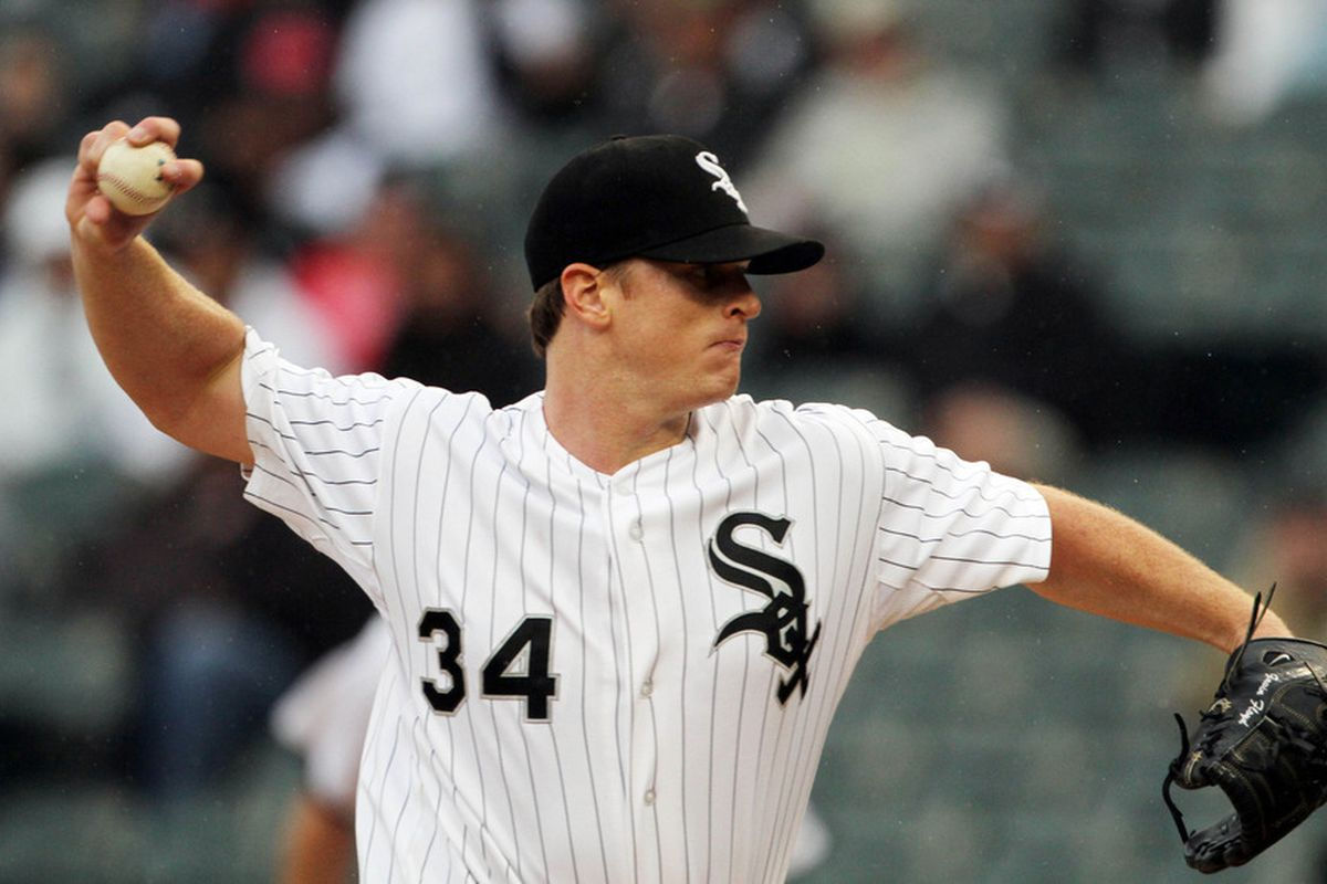 Gavin Floyd of the Chicago White Sox pitches against the Kansas City Royals at U.S. Cellular Field in Chicago, Illinois. (Photo by Tasos Katopodis/Getty Images)