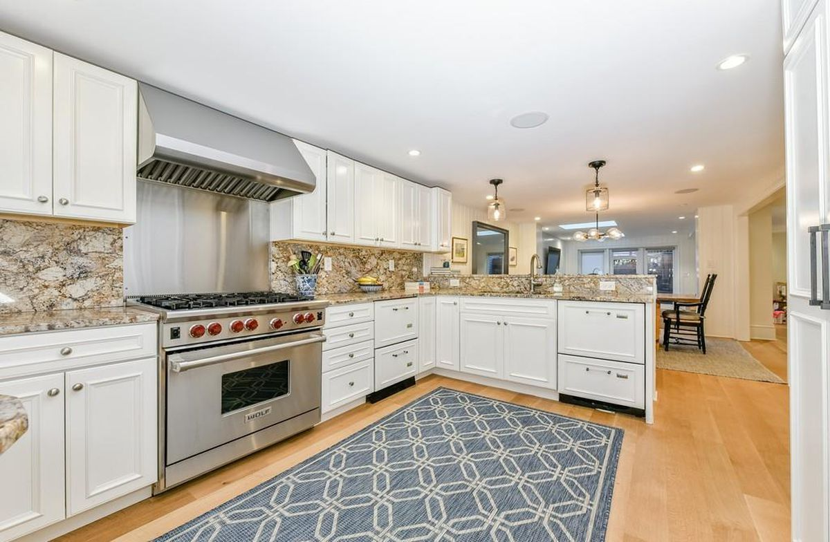 South End townhouse dating from 1899 and with parlor deck on sale ...