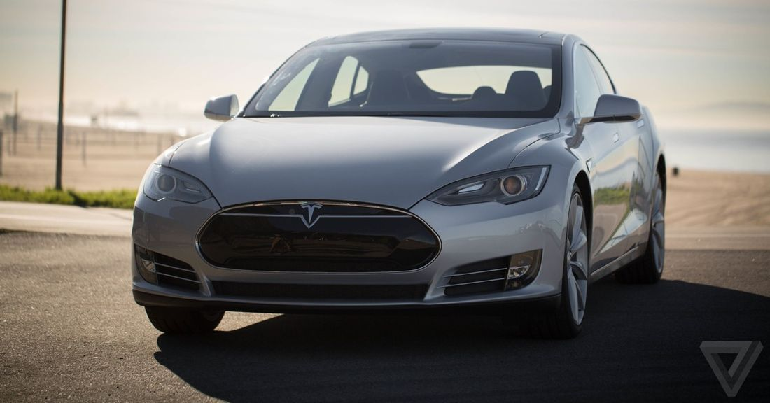 Tesla's reportedly shipped early Model S cars with leaky battery packs thumbnail