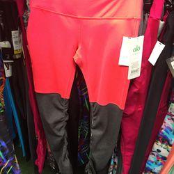 Alo Yoga ribbed leggings, $46.96 (from $93.95)