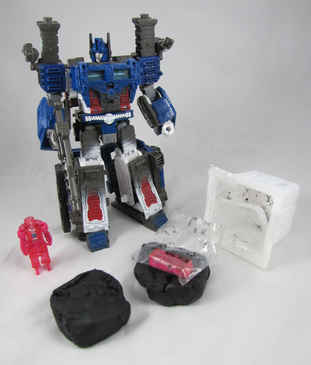 Ultra Magnus Transformers: War on Cybertron toy