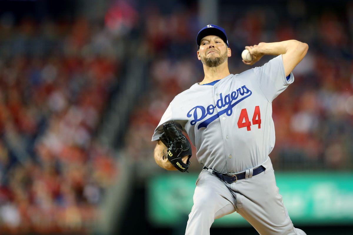 MLB Offseason News: Twins sign two pitchers