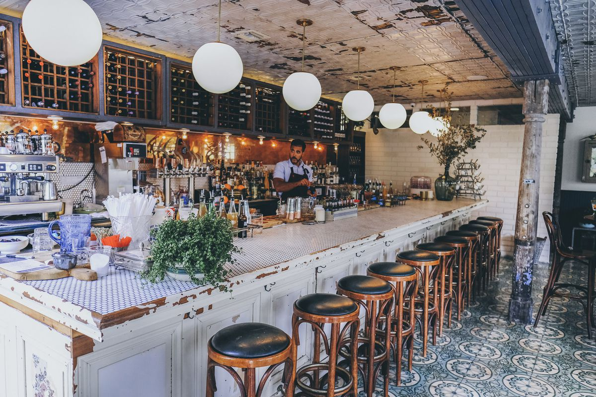 Take A Look Around Sherwoods Bistro Bar Little Rivers Most