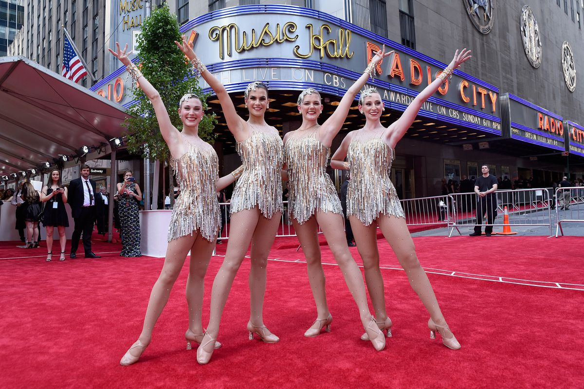 Radio City Christmas Spectacular 2020 Cast 100 Intel drones join the cast of Radio City's Christmas