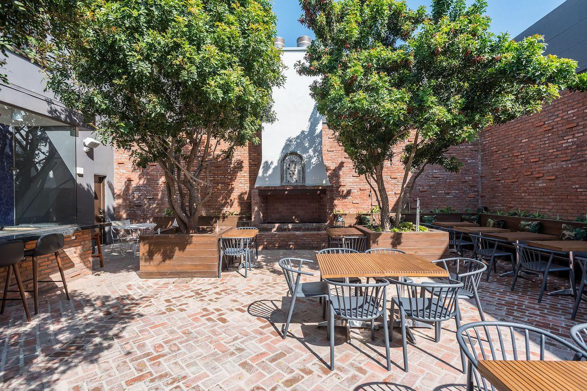 Antica Pizzeria patio in Hollywood, California.