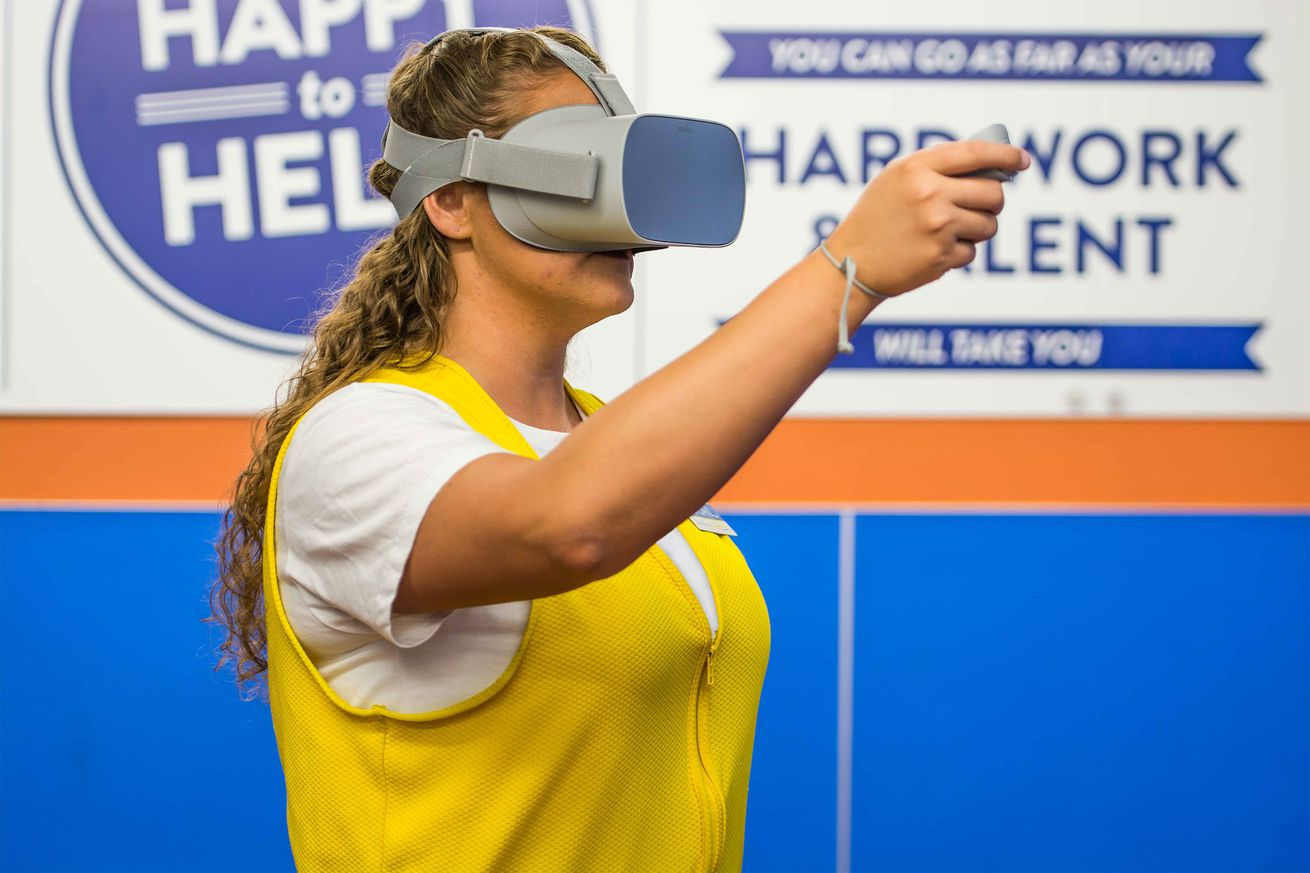 walmart is putting 17 000 vr headsets in its us stores for training