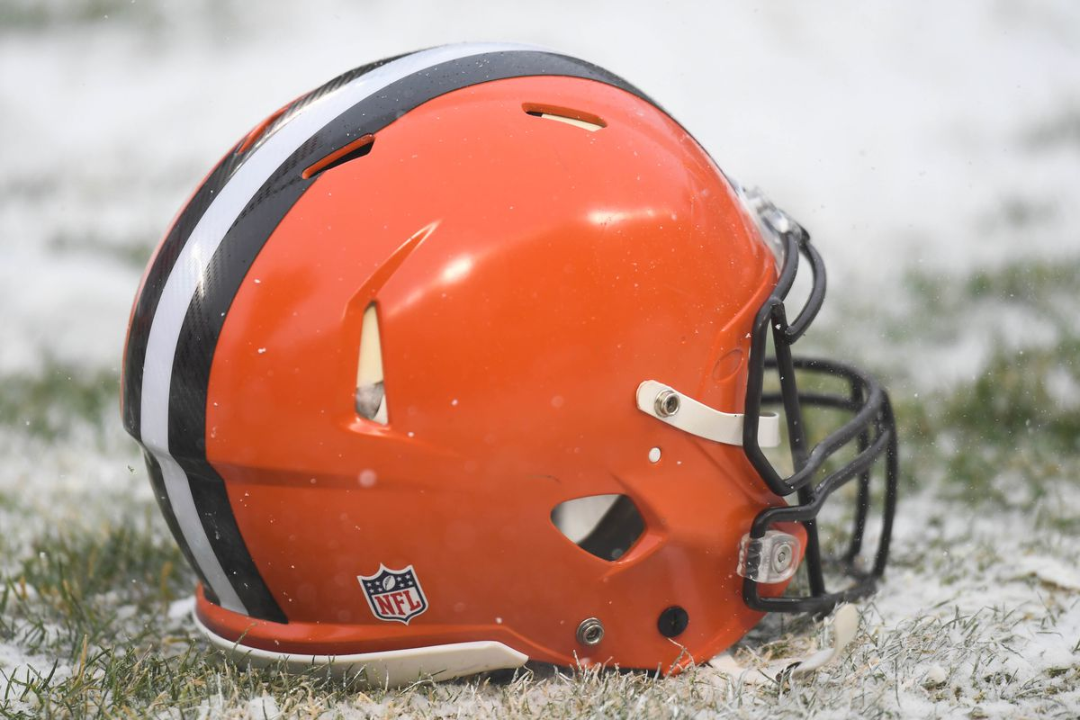 552b66422 NFL Power Rankings: All 32 NFL helmets from worst to first - Behind ...