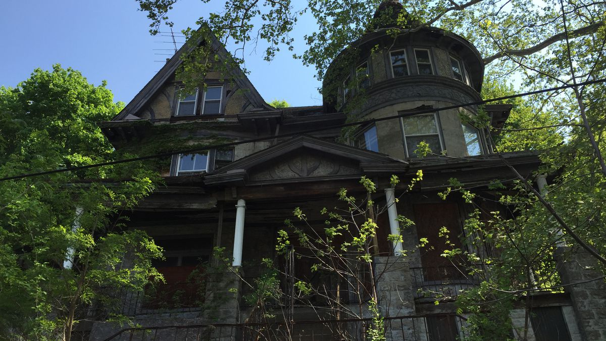 A recent image of 7101 Apple Street in Pittsburgh's Homewood neighborhood, known as Mystery Manor