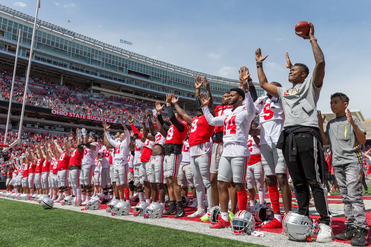 Ohio State celebrates 2019 football captains with calls to mom
