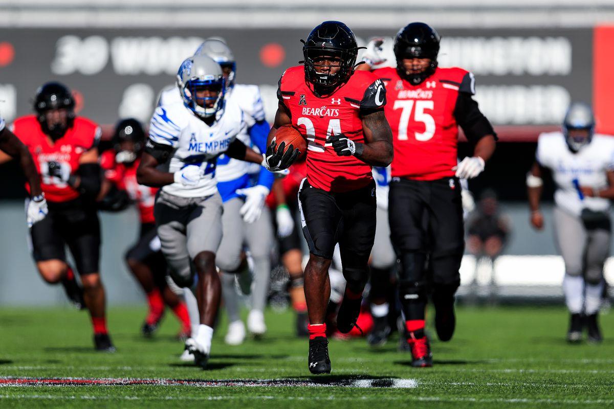 NCAA Football: Memphis at Cincinnati