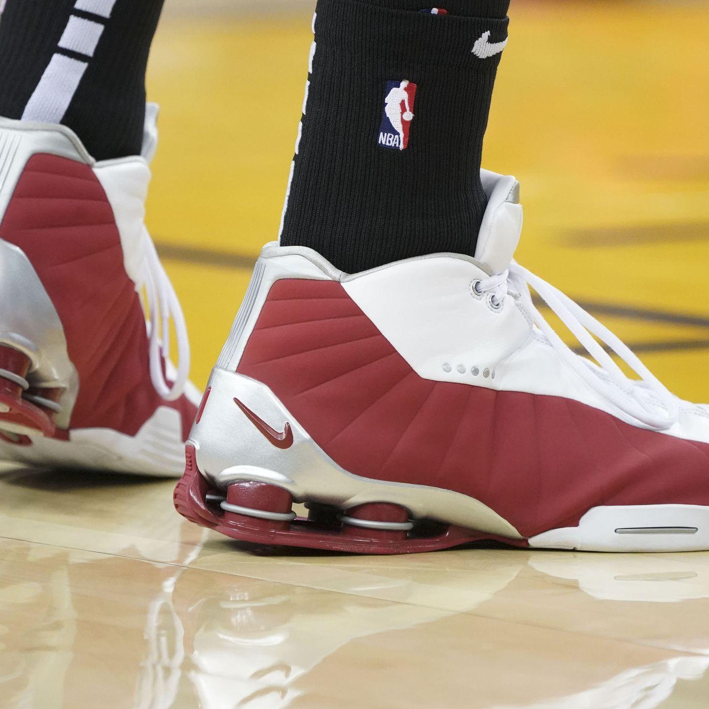 buy popular 91149 94308 NBA Apparel  Vince Carter brings back the Nike Shox BB4