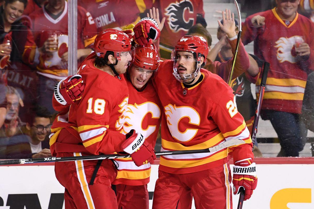 NHL: Chicago Blackhawks at Calgary Flames