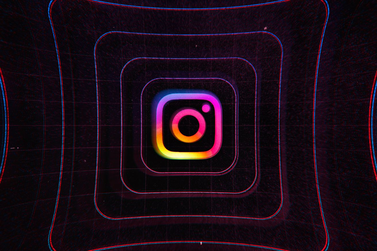 Instagram's pinned comments feature is rolling out to everyone now