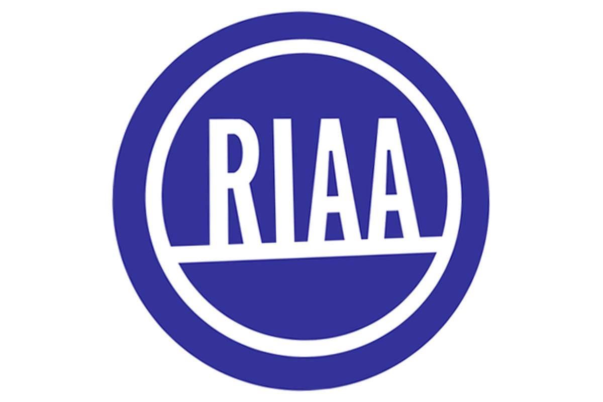"via <a href=""http://dl.dropbox.com/u/118445/RIAA.png"">dl.dropbox.com</a>"