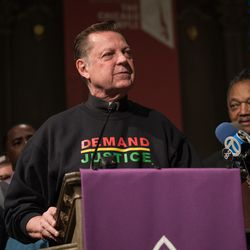 The Rev. Michael Pfleger speaks in support of Cook County State's Attorney Kim Foxx. | Max Herman/For the Sun-Times