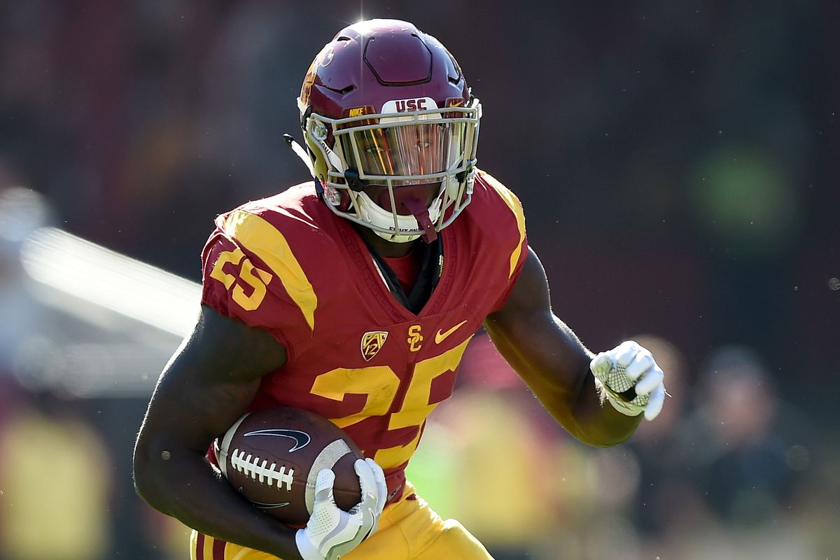Usc Running Back Ronald Jones Scores 2 Touchdowns In The First Ten Minutes Against Oregon Conquest Chronicles