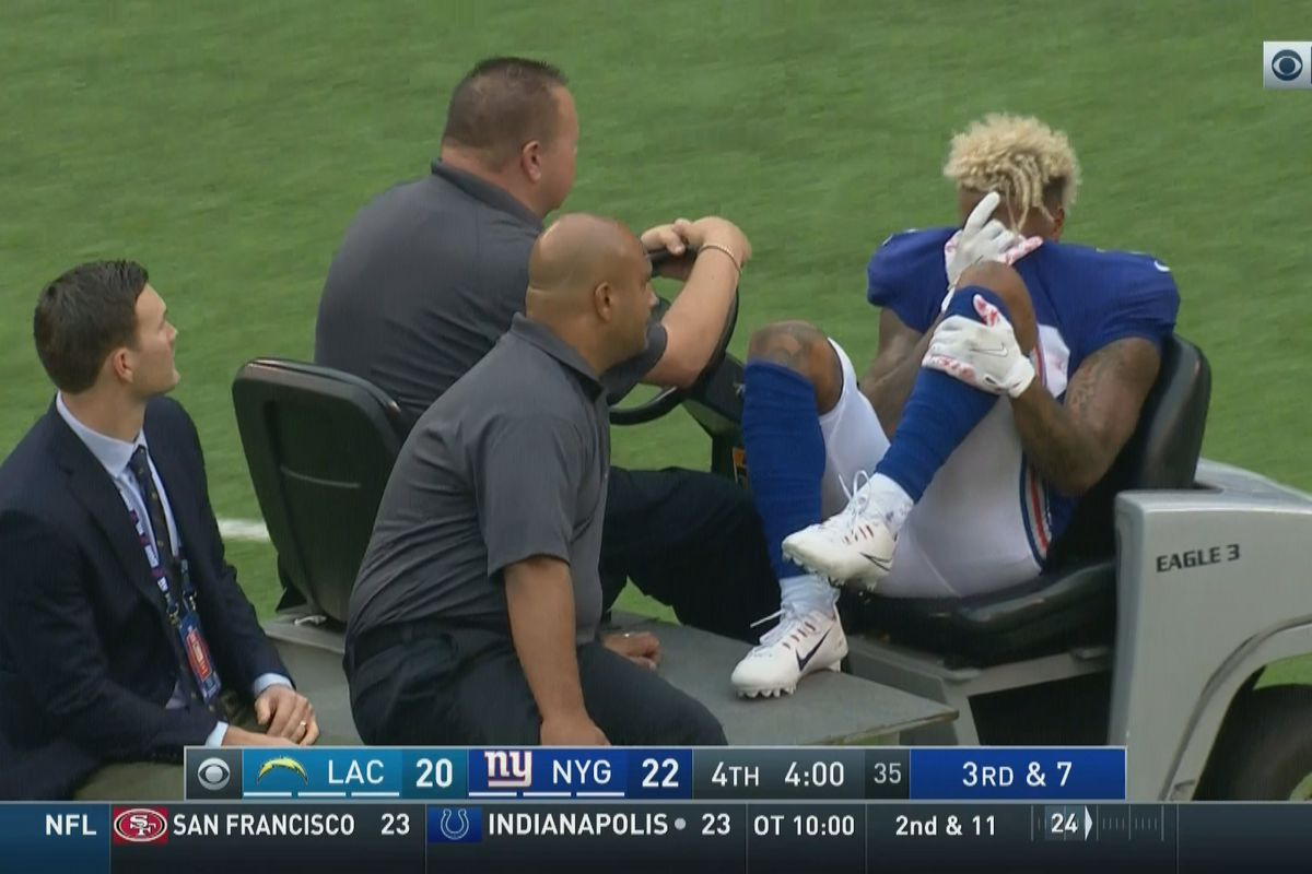 Giants WR Carted Off With Left Ankle Injury