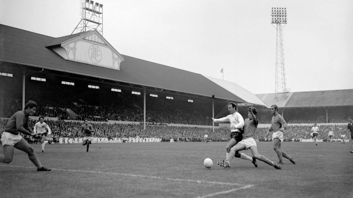 Soccer - Football League Division One - Tottenham Hotspur v Ipswich Town - White Hart Lane