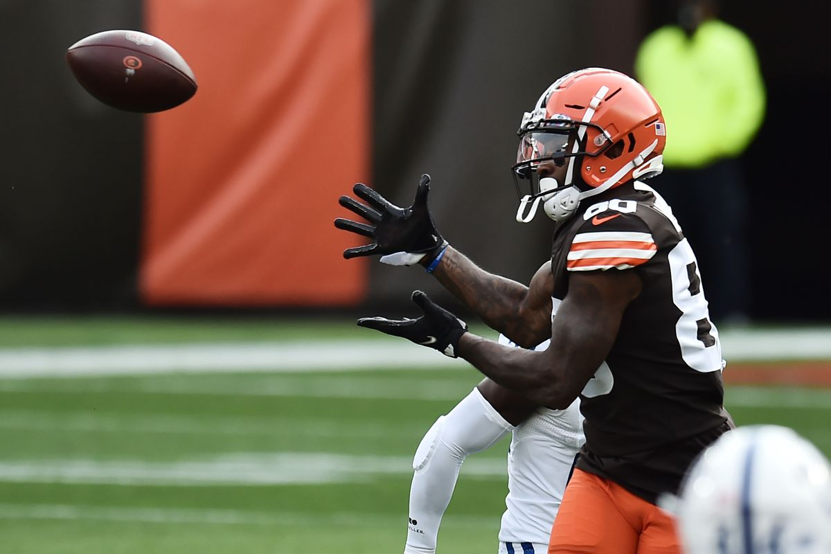 Cleveland Browns wide receiver Jarvis Landry makes a catch during the first quarter against the Indianapolis Colts at FirstEnergy Stadium.