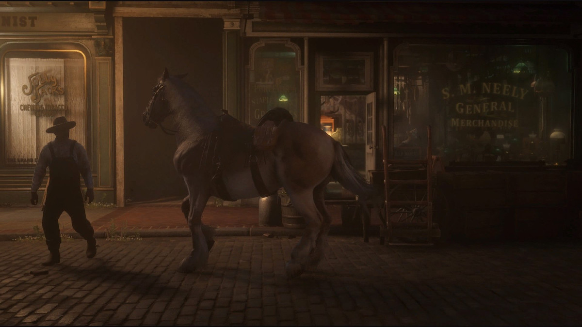 Red Dead Online - a player's horse outside a store in St. Denis