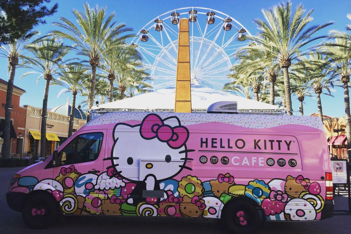 Hello Kitty Truck
