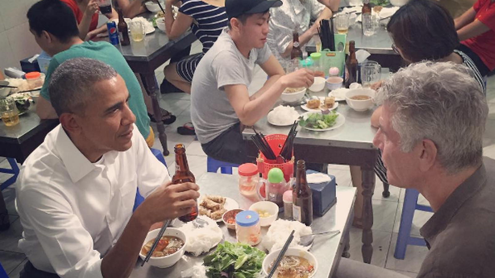 President Obama ate $6 noodles in Hanoi with Anthony Bourdain