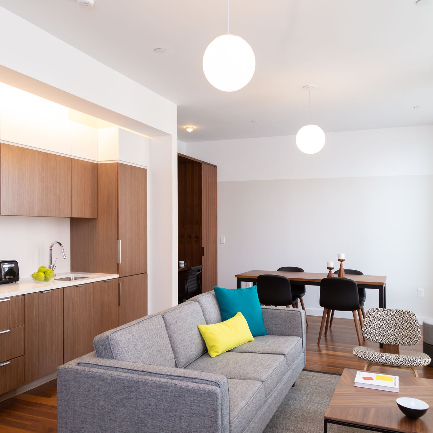 Pod Hotels S Micro Apartments In Times Square Flagship Are Now