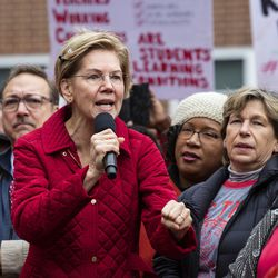Presidential candidate U.S. Sen. Elizabeth Warren (D-MA) joins striking Chicago Teachers Union and SEIU Local 73 members for a speech on the picket line outside Oscar DePriest Elementary School on the West Side, Tuesday morning, Oct. 22, 2019.