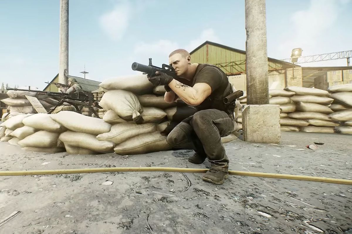 Units from the BEAR paramilitary organization, based on Russian armed forces, take up position around a new heavy weapon added to Escape From Tarkov.