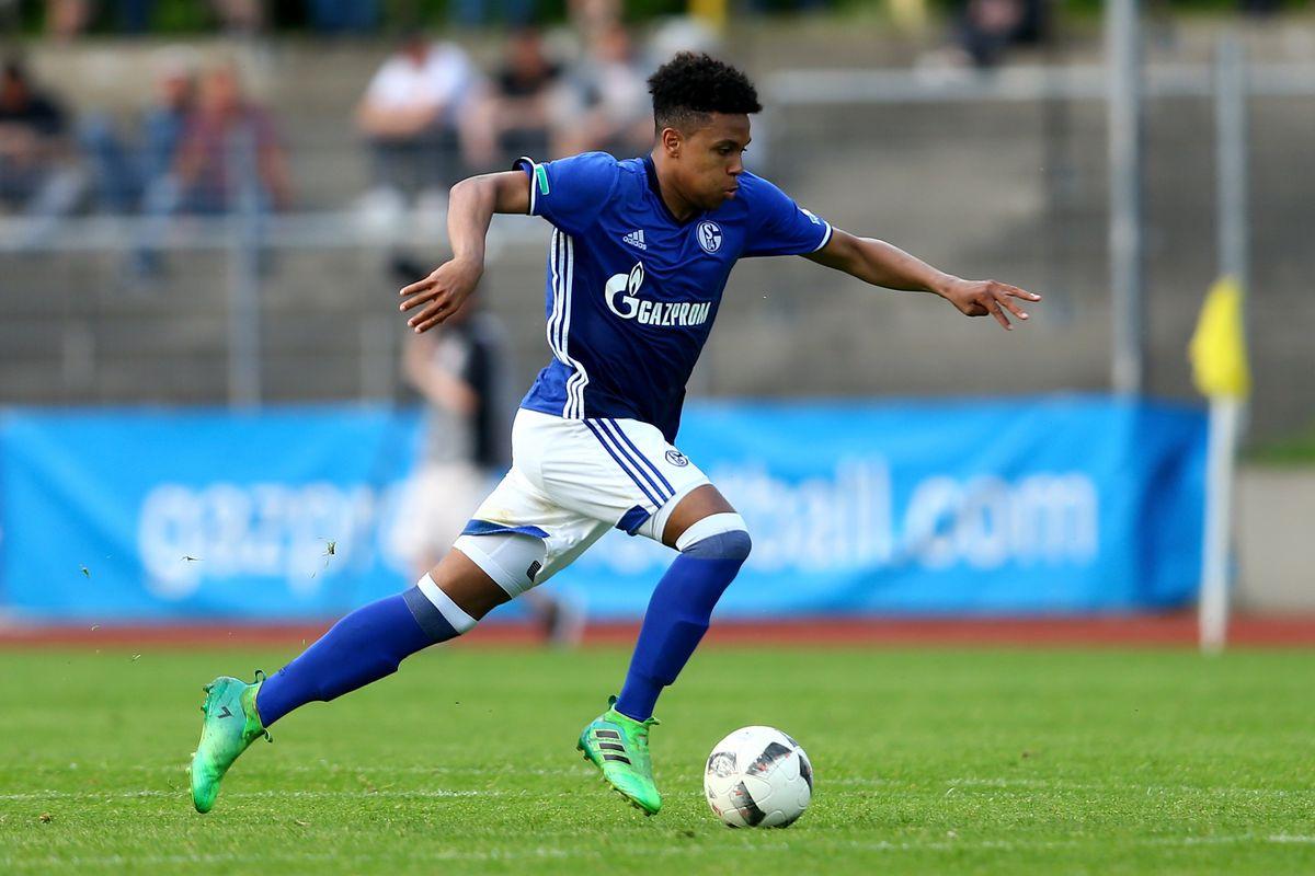 U19 FC Schalke 04 v U19 FC Bayern Muenchen - German Championship Semi Final
