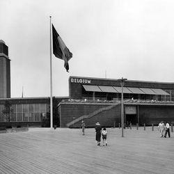 "Belgium pavilion via <a href=""http://worldsfairphotos.blogspot.com/2010/09/1939-new-york-worlds-fair-belgium.html"">World's Fair Photos</a>."