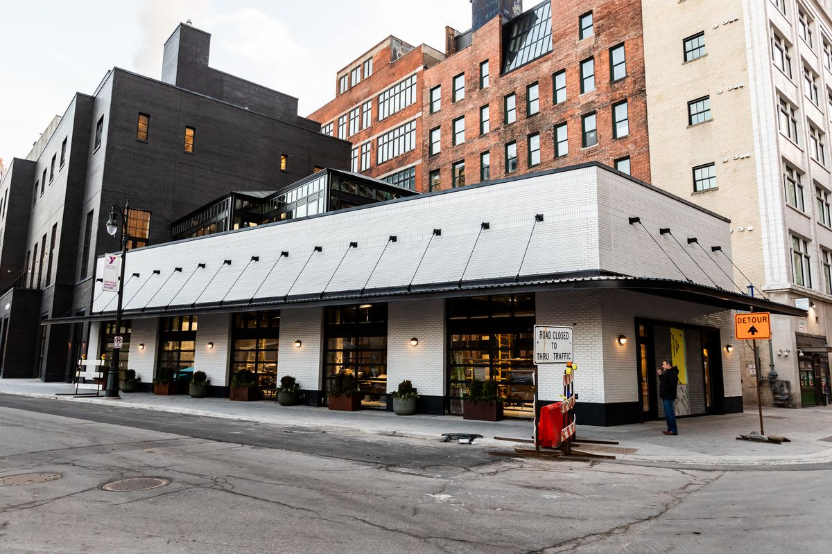 inside the shinola hotel in downtown detroit curbed detroit. Black Bedroom Furniture Sets. Home Design Ideas