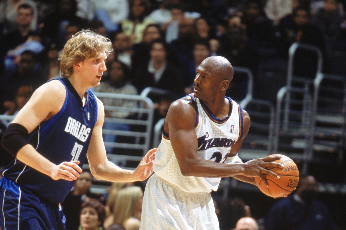 Michael Jordan looks to pass
