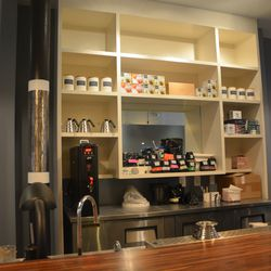 The coffee bar for lingering