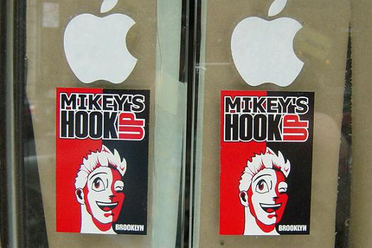 mikeys-hook-up-iphone-repair