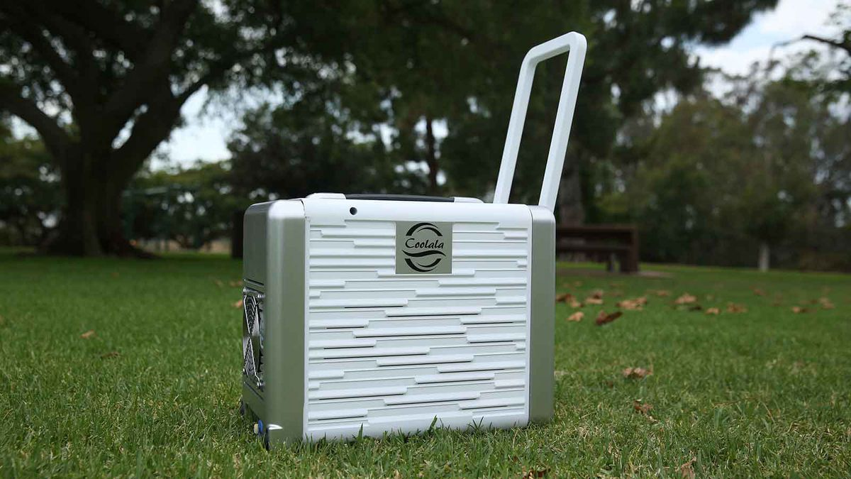 Coolala Is The World S First Portable Solar Powered A C