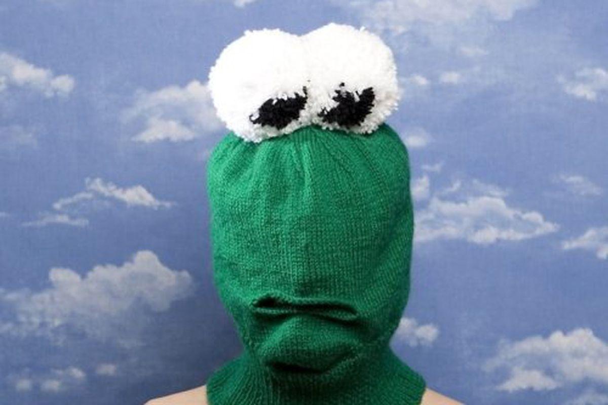 "Piers Atkinson knit hat, via <a href=""http://www.dazeddigital.com/view/default.aspx?Category=19&amp;ArticleID=7078&amp;PageNum=1"">Dazed Digital</a>"