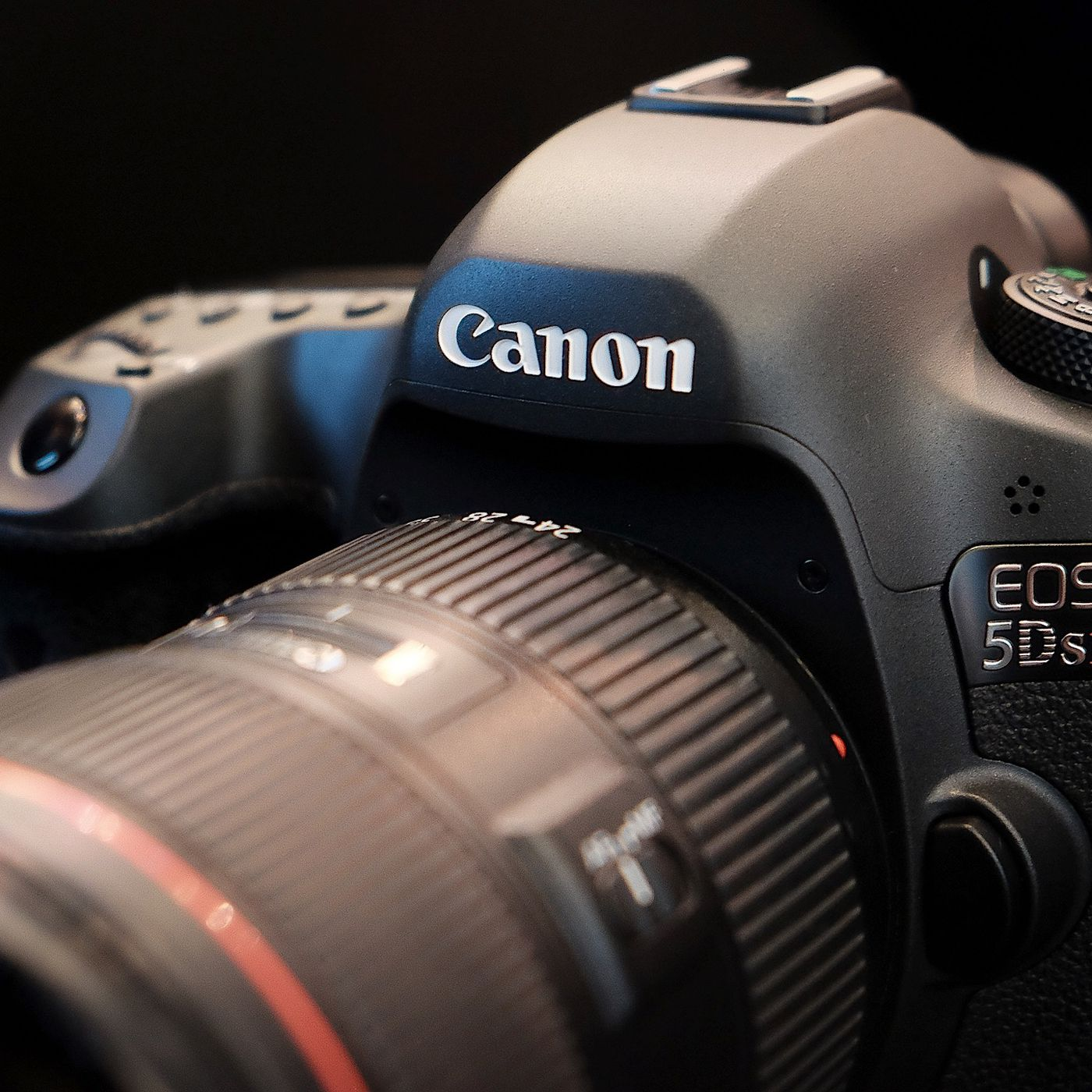 Up close with Canon's impressive new cameras - The Verge