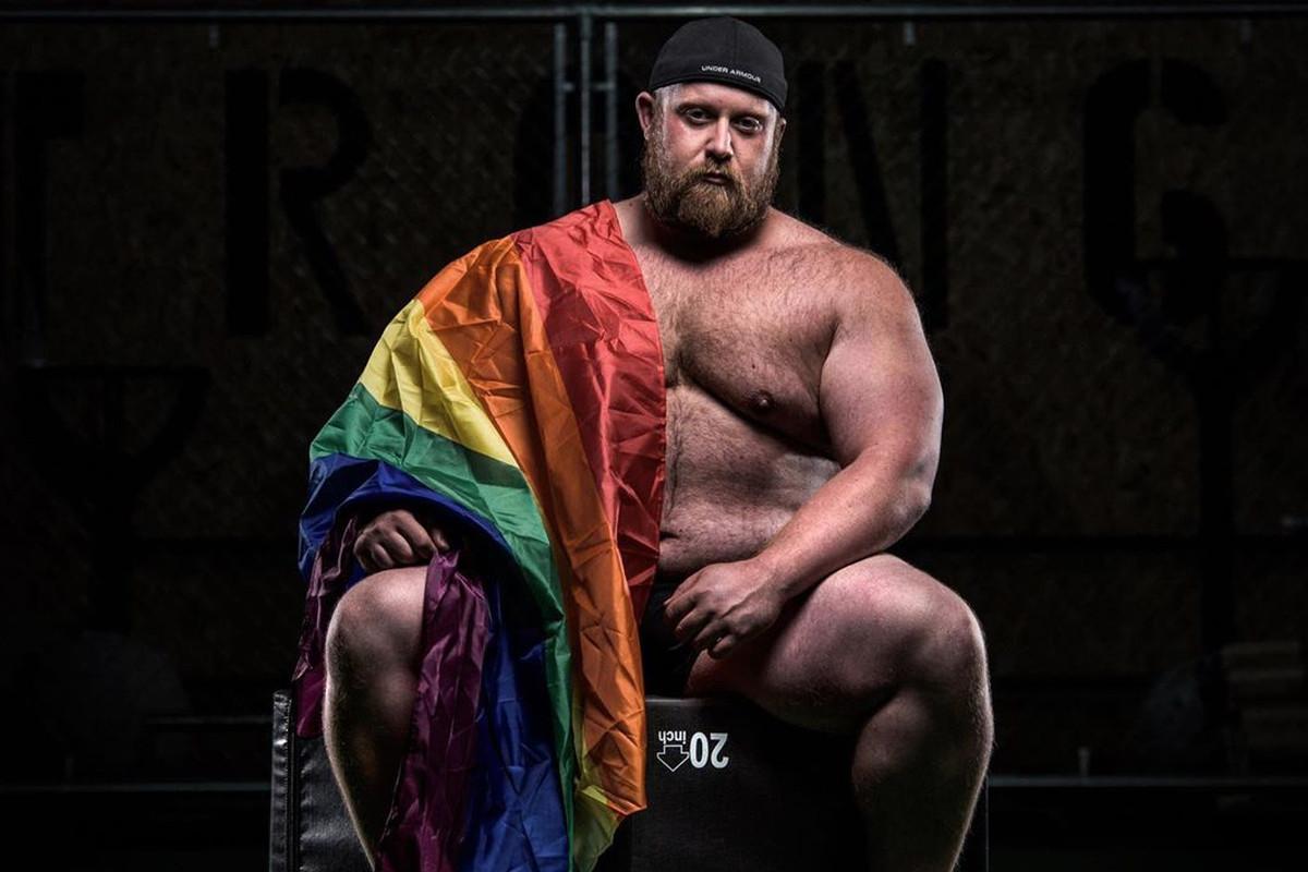 gay online dating Irlanda dovrei collegare con un ragazzo su Craigslist
