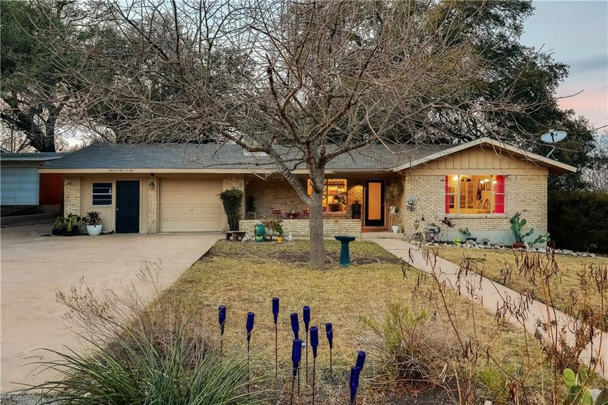 Updated 1960s North Austin Home Asks 326K