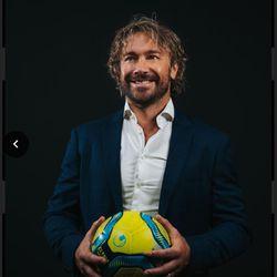 Diego Alfredo Lugano Morena, ex-jogador de futebol profissional uruguaio, será o palestrante principal durante o RootsTech Connect 2021.
