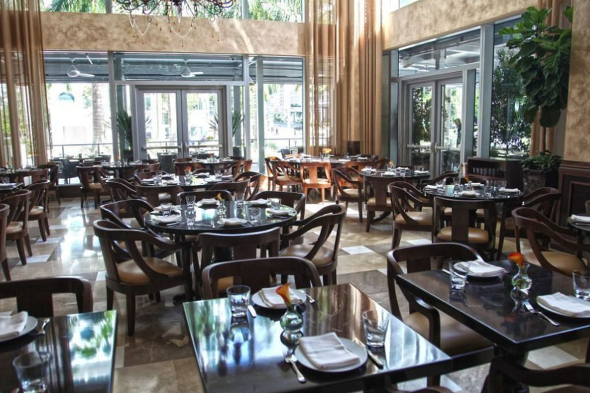 """<a href=""""http://miami.eater.com/archives/2013/09/25/a-look-at-lippi-before-it-opens-tomorrow.php"""">Lippi, Miami</a>"""