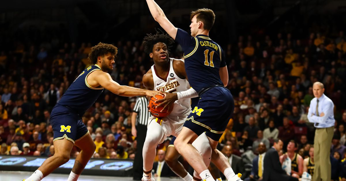 Jordan Poole shines for Michigan in smothering 69-60 road victory over Minnesota