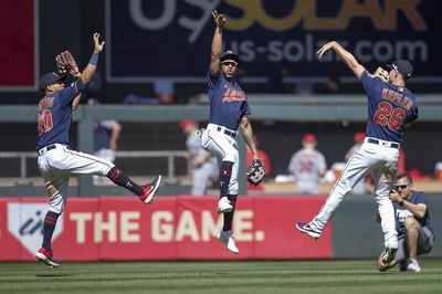 The Minnesota Twins wins another close one against the Los Angeles Angels 8-7.