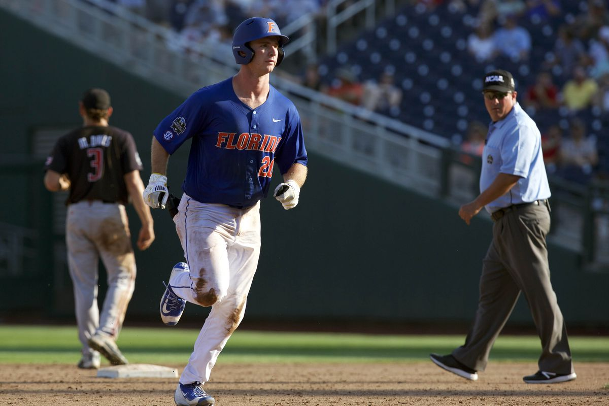 Larson's RBI single in 11th gives Florida 2-1 win