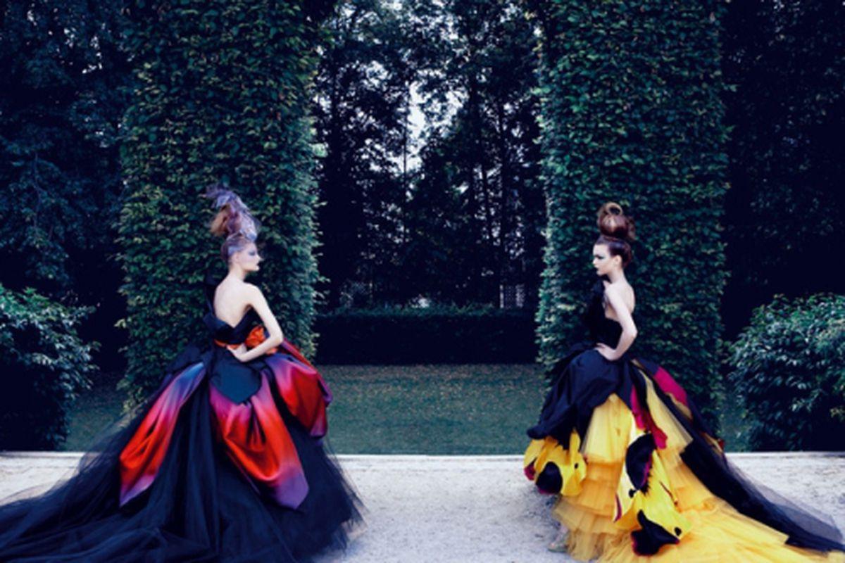 "Photo by Patrick Demarchelier via <a href=""http://www.rizzoliusa.com/book.php?isbn=9780847838028"">Rizzoli New York</a>.<span></span>"